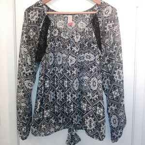 No Boundaries Chiffon Black Blouse EUC!!